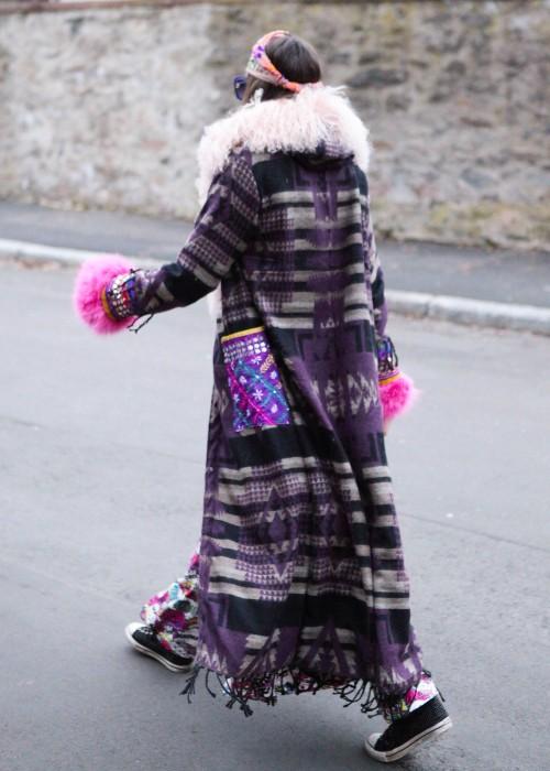 Boho Mantel mit Kapuze und Tibetlamm Aztek lila