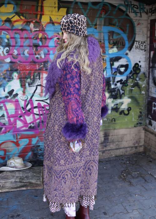 Boho Mantel mit Tibetlamm Paisley lila