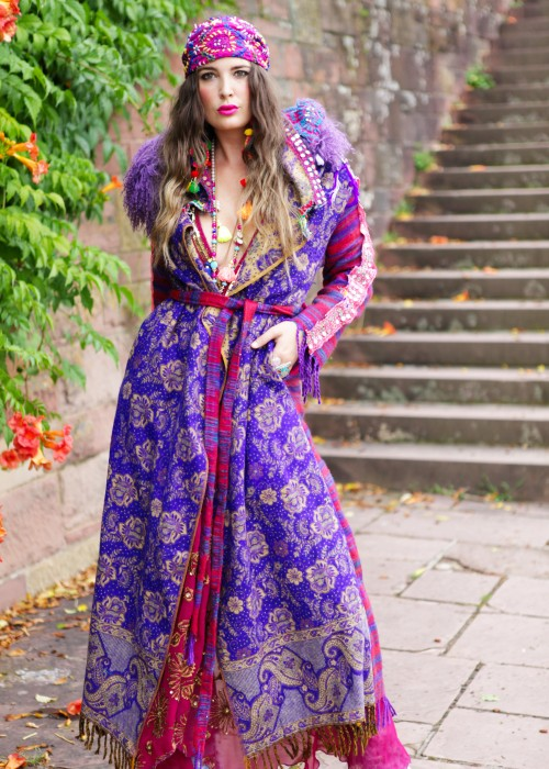 Boho Mantel Amisha mit Kapuze und Tibetlamm lila