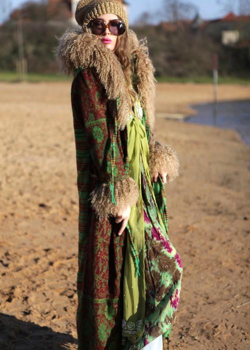 Boho Mantel mit Kapuze und Tibetlamm gruen braun