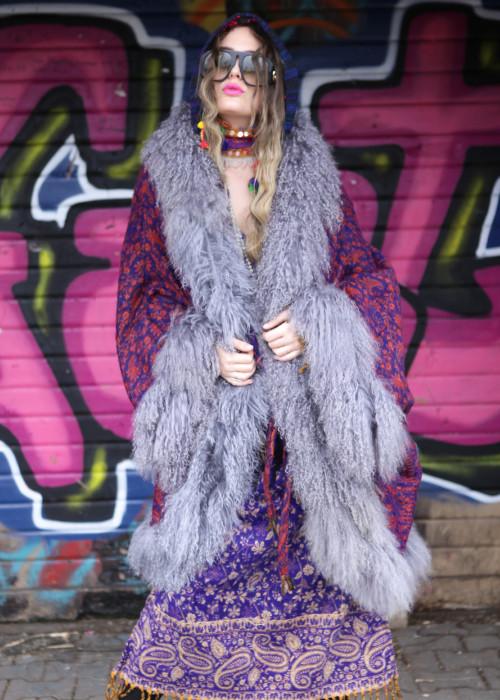 Boho Cape Jacke mit Tibetlamm Paisley lila-grau