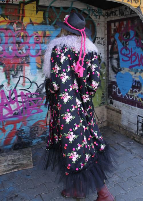 Boho Mantel Lace mit Tibetlamm Flower schwarz