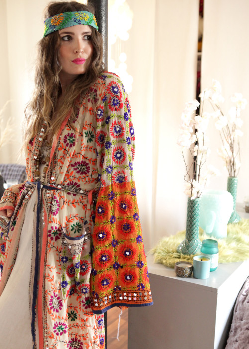Boho Kimono Mantel Madhu Embroidery offwhite