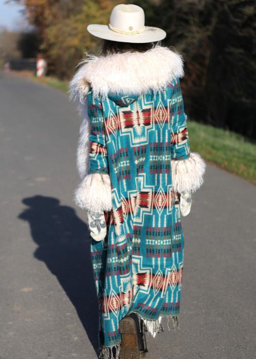 Boho Mantel mit Kapuze und Tibetlamm gruen-creme
