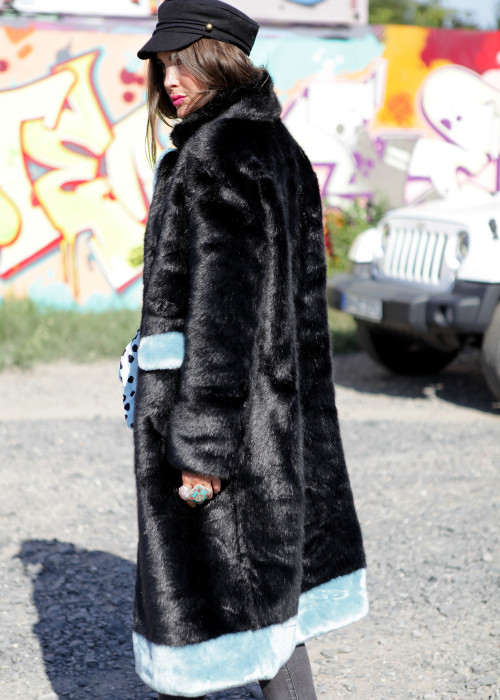 Mantel Kunstfell Anthro schwarz