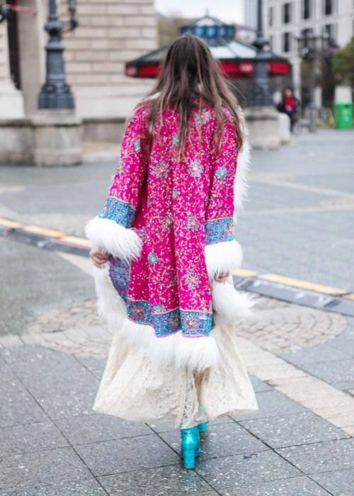 Boho Mantel mit Kunstfell pink-weiss