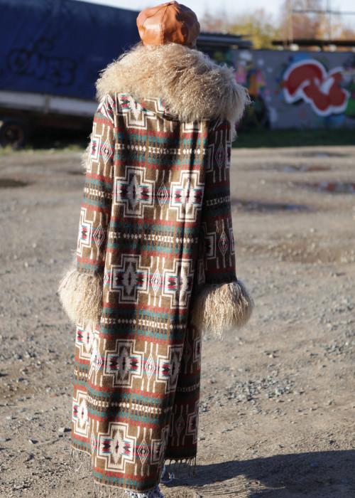 Boho Mantel mit Kapuze und Tibetlamm braun-beige