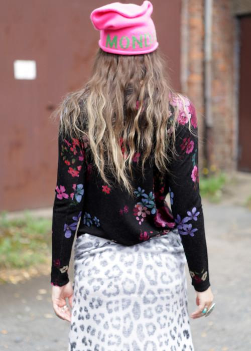 Pullover Flower Leo Love schwarz